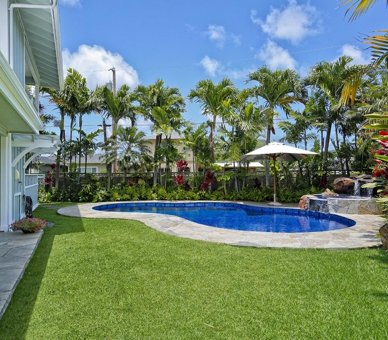 yard & pool 1