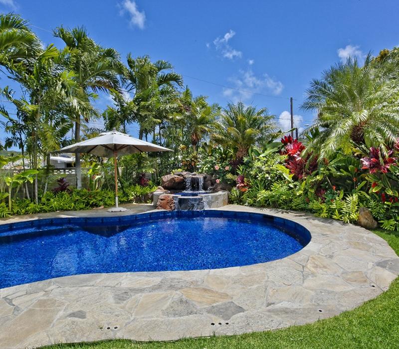 yard & pool 3